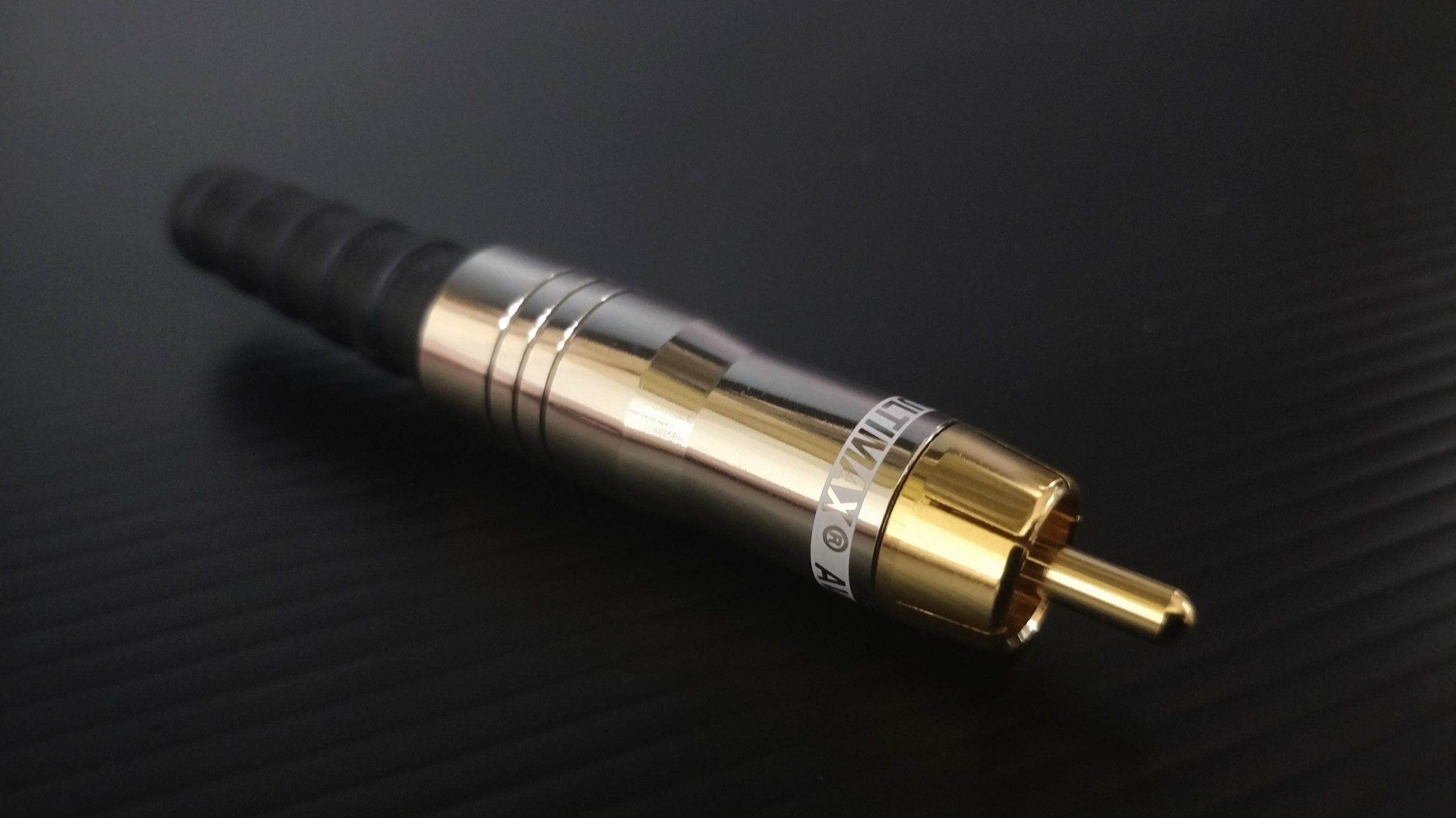 Domiplux – RCA Plug, V-7177N